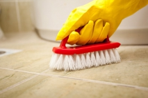 Advantages and Disadvantages to Hiring a Cleaning Company