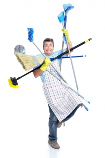 Should you Carry out your Own End of Tenancy Cleaning or Hire Professional Cleaners?